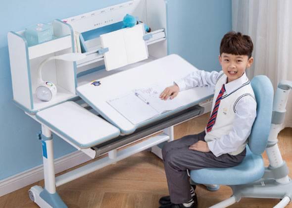 壹居多功能儿童学习课桌椅